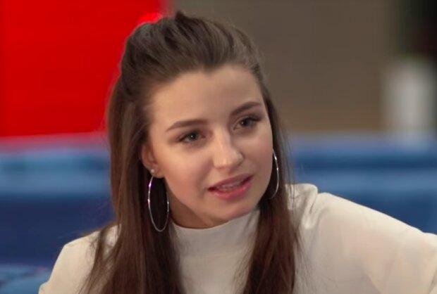Julia Wróblewska / YouTube:  FreshmagTV