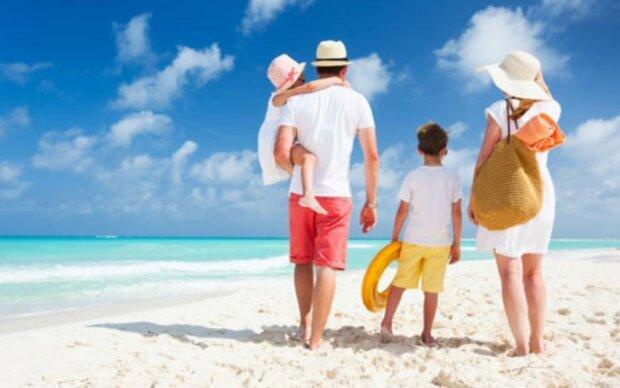 Nadchodzi okres wakacyjnych wyjazdów. Czy możemy się spodziewać wzrostu zakażeń