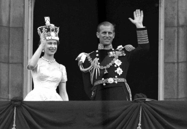 """""""Kto zostanie następcą tronu?"""". Królowa Elżbieta zamierza abdykować"""