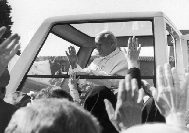 Bliski kolega Jana Pawła II skończył niedawno sto lat. Znał Karola Wojtyłę już od gimnazjum. Podzielił się bezcennymi wspomnieniami o Papieżu