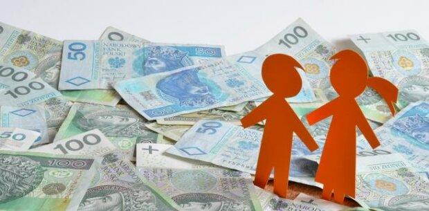 600+ dla niektórych i bony zamiast pieniędzy? PiS szykuje zmiany w swoim flagowym projekcie