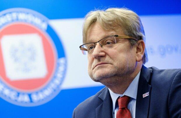 """Media obiegła niepokojąca informacja.Jarosław Pinkach w """"Radiu ZET"""" o nowych restrykcjach: """"To powinno być wprowadzone w miarę szybko"""""""