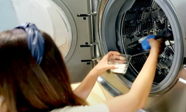 Czyszczenie pralki/screen Youtube @Clean My Space