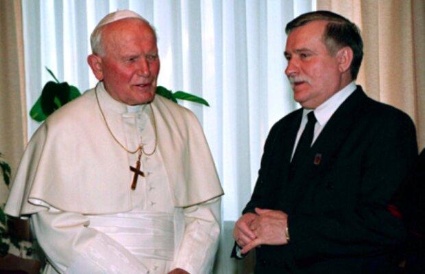 Jaka była rola Papieża Polaka w obaleniu komunizmu? Lech Wałęsa stanowczo  komentuje całą sprawę . Zycie