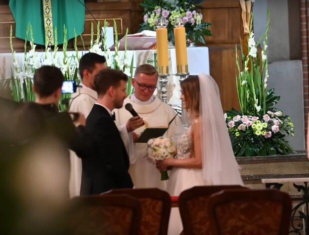 Antek Królikowski i Asia Opozda składają przysięgę małżeńską / YouTube: JastrzabPost