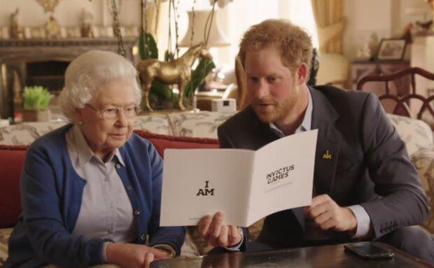 Książę Harry, Elżbieta II. Źródło: Youtube BBC News