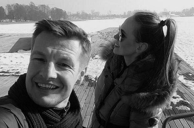 Rafał Mroczek jest gotowy walczyć o córkę. Dramatyczna sytuacja w życiu prywatnym aktora
