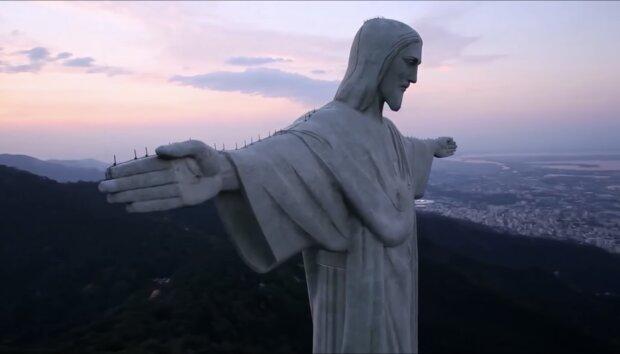 Chrystus Zbawiciel w Rio de Janeiro. Źródło: youtube.com