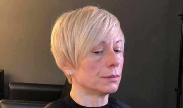 fryzury dla kobiet po 50 roku życia, screen YT