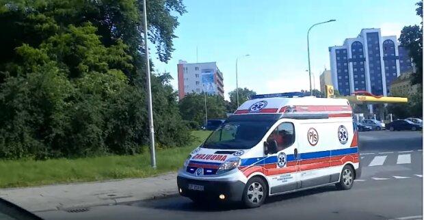 Coraz trudniesza sytuacja epidemiczna w kraju. Karetki z pacjentami w środku czekają godzinami przed szpitalami