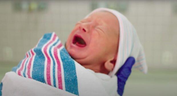 Oddała dziecko tuż po porodzie! / YouTube: Mount Sinai Parenting Center