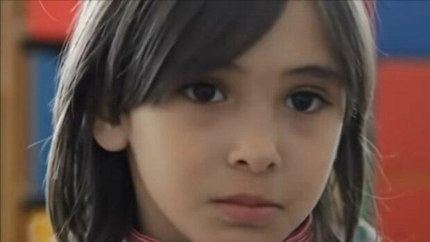 dziewczynka/ screen Youtube @HomeRec