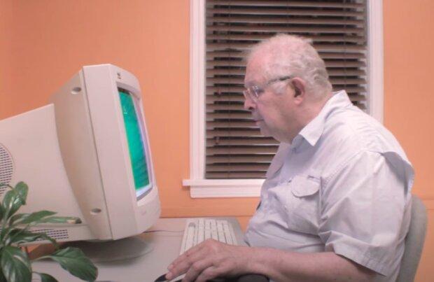 Cyfrowi wolontariusze pomogą starszym osobom! / YouTube: Big Play Films