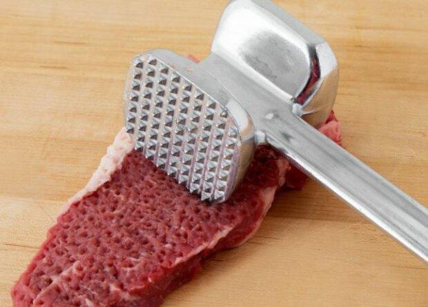 Tłuczek do mięsa. Źródło: fackelmann.com.pl