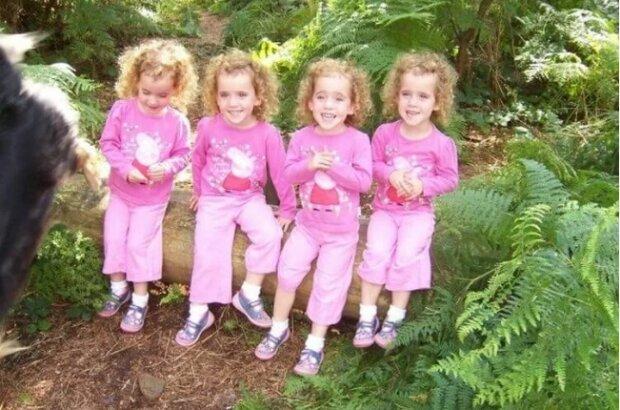 Oto matka czworaczków. Jej córki wyglądają jak jej młodsze klony
