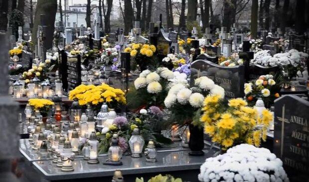 Kraków: w mieście są poważne problemy z organizacją pochówków. Na wolny termin trzeba obecnie długo poczekać