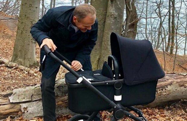 Donald Tusk pokazał zdjęcie z wnuczką. Były premier jest rozpromieniony, ten widok chwyci każdego ze serce
