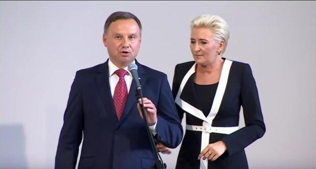 Andrzej Duda spotkał młodą kobietę. Reakcja Agaty Dudy była natychmiastowa. O co chodzi