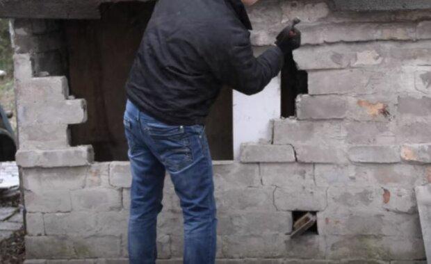 Mężczyzna otrzymał spadek po dziadku. Źródło: youtube.com