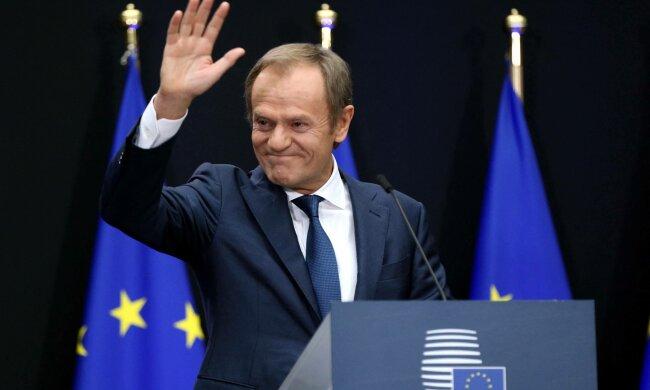 """Donald Tusk jest dumny z Olgi Tokarczuk. """"Dzień dumy i radości. Polski dzień"""", napisał w mediach społecznościowych"""