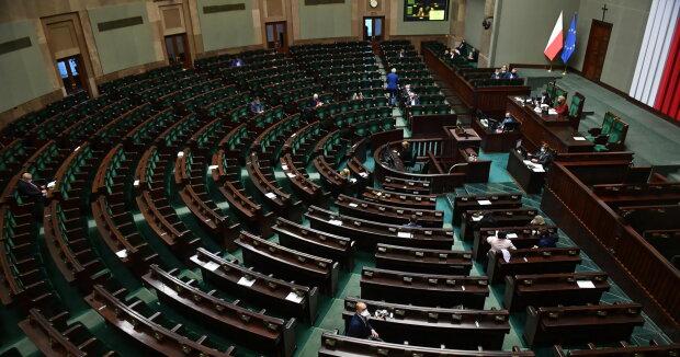 Niespodziewana decyzja obiega Polskę. Pieniądze dla pewnej grupy