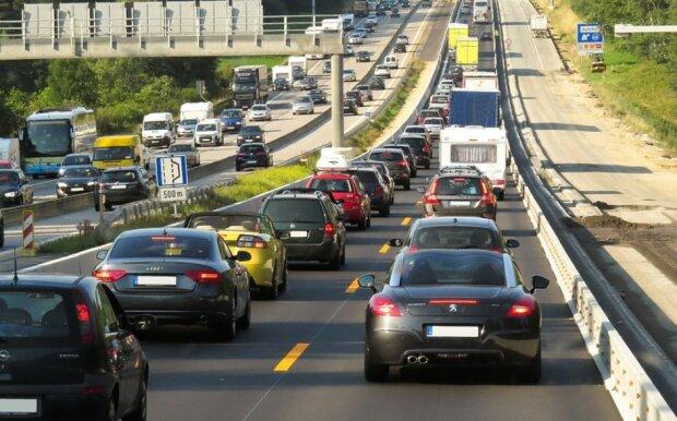 Kierowcy muszą się mieć na baczności/screen Pixabay