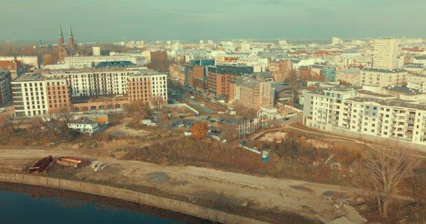 Warszawa - Praga / YouTube:  Epic Life Flashes
