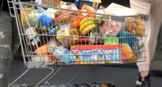 Zakupy. Źródło: Youtube