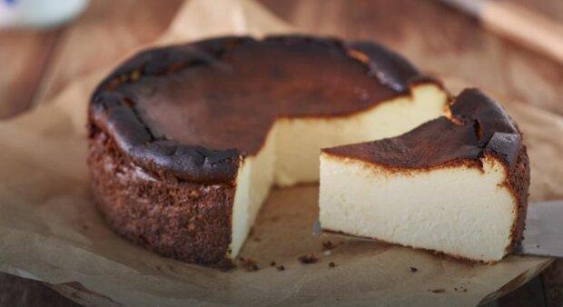 Sernik Basków. Ciasto, które trzeba przypiec. Sprawdzony przepis