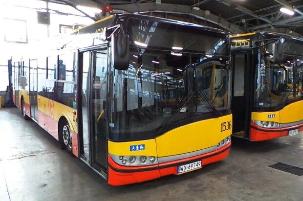 Autobusy, Warszawa/ screen z video https://tvn24.pl/