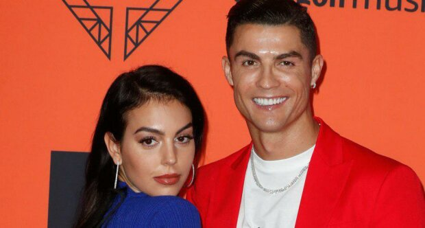 Cristiano Ronaldo i Georgina Rodriguez olśnili wszystkich! Najgorętsza para na gali MTV Europe Music Awards 2019!