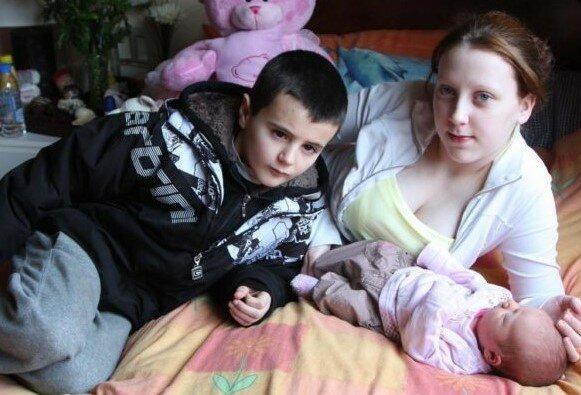 Nieletni rodzice fot. Google