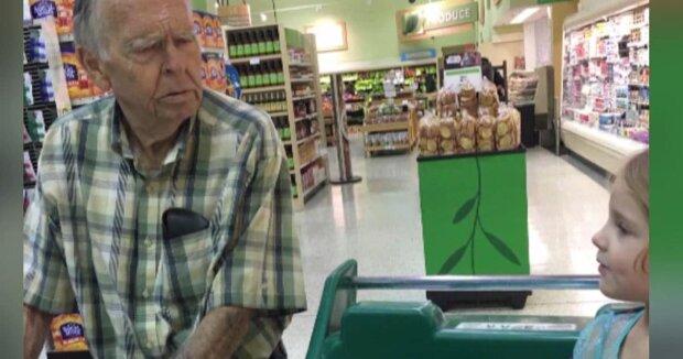 Początek wielkiej przyjaźni starca i dziewczynki w supermarkecie, źródło: AboutAllThings.com