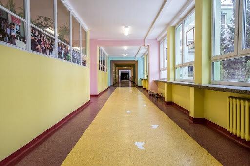 Szkoła, korytarz