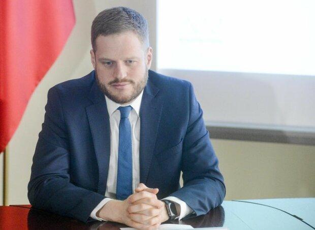 Wiceminister zdrowia Janusz Cieszyński straszy gwałtownym wzrostem zakażeń koronawirusem. Czy może być jeszcze gorzej