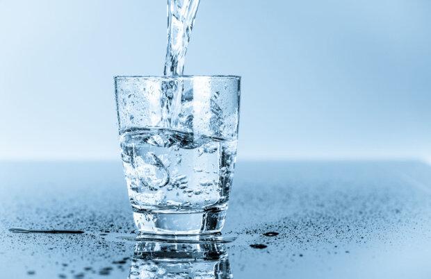 Woda wodzie nierówna? Który z rodzajów wody ma najkorzystniejszy wpływ na nasz organizm