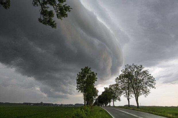 Synoptycy ostrzegają. Możliwe silne wiatry i marznące opady