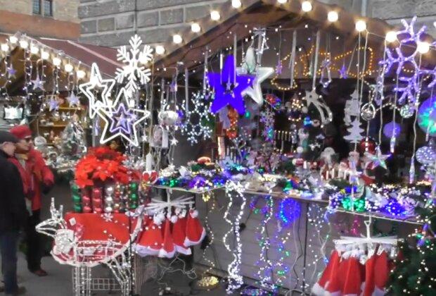 Gdańsk: Jarmark Bożonarodzeniowy w sieci ma bogatą ofertę. Co można kupić? Warto sprawdzić różnorodne prezenty, dekoracje i smakołyki