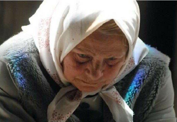 Jedyna córka wyrzuciła matkę z domu, nie jest nawet zainteresowana jej życiem. Historia, która budzi skrajne emocje