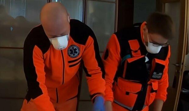 Ratownicy medyczni w Polsce są masowo zwalniani? Sytuacja pracowników karetek jest bardzo poruszająca. Przedstawiciele pogotowia mówią dość wyzyskowi