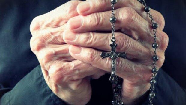 Oto modlitwa za wszystkie Twoje wnuki. Warto poznać jej słowa, które dodają sił