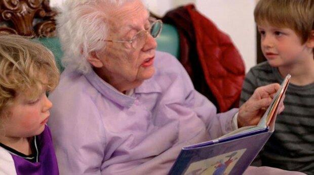 Naukowcy są zgodni. Zajmowanie się wnukami jest gwarancją dłuższego i szczęśliwego życia
