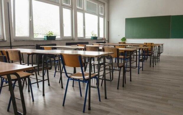 Kiedy szkoły zostaną otwarte? Źródło: tvn24.pl