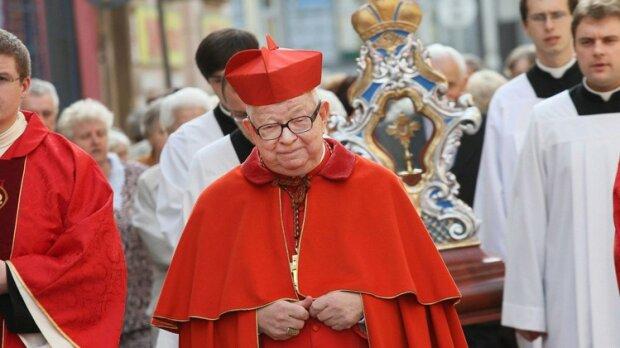 Na jaw wyszły zarobki św. pamięci kardynała Gulbinowicza. Wstrząsająco wysoka kwota wielu oburzy