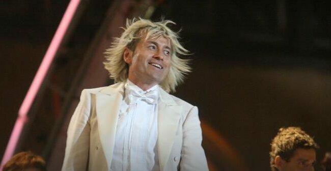 Piotr Rubik już tak nie wygląda! Słynna fryzura to już przeszłość!