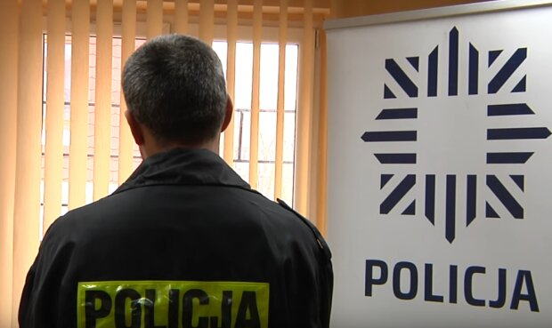 Kraków: kilku mieszkańców straciło ostatnio aż 135 tys. zł. Policjanci przestrzegają przed sprytnymi oszustami, którzy podają się za funkcjonariuszy