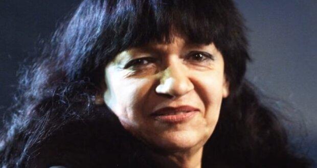 Dlaczego Ewa Demarczyk odsunęła się w cień? Nieznane fakty z życia artystki ujrzały światło dzienne