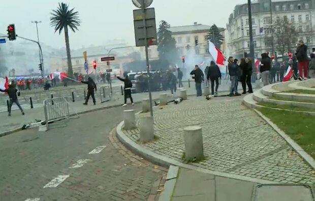 Marsz Niepodległości/ screen z video https://www.onet.pl/