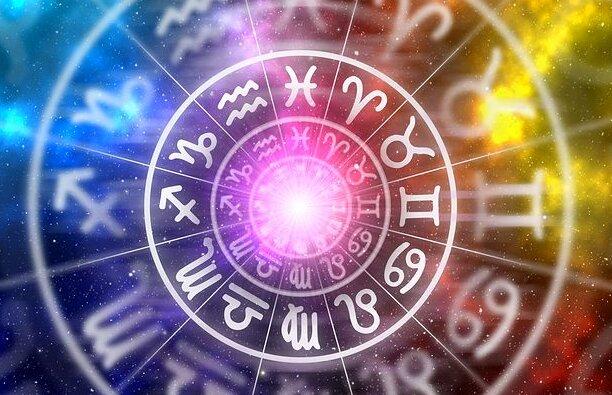 datowanie horoskopu z kim teraz jest Jef Holm