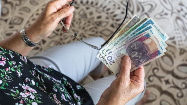 Czy wypłata trzynastek będzie zagrożona?, źródło: Radio Zet
